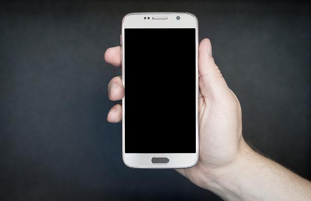 Smartphone v ruce.