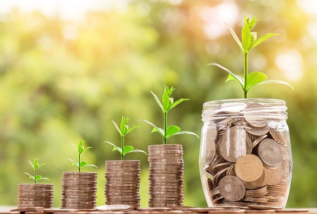 Postupný růst peněz